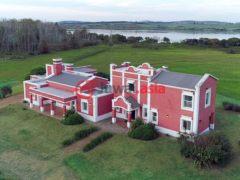 居外网在售乌拉圭Punta Ballena4卧4卫的房产总占地75000平方米USD 1,200,000