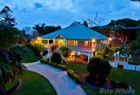居外网在售澳大利亚5卧4卫原装保留的房产总占地2009平方米