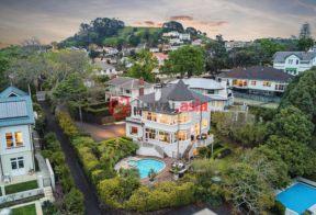 居外网在售新西兰6卧3卫原装保留的房产总占地1214平方米