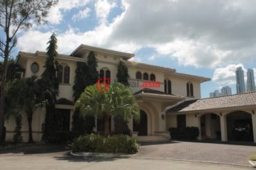 巴拿马巴拿马城7卧7卫原装保留的房产
