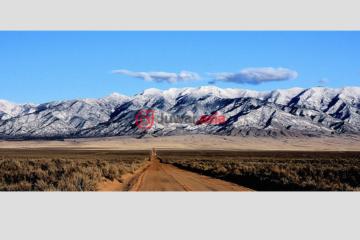 居外网在售美国洛斯卢纳斯总占地123平方米的土地