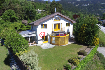 居外网在售瑞士5卧2卫曾经整修过的房产总占地1378平方米CHF 1,475,000