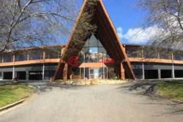居外网在售澳大利亚3卧3卫特别设计建筑的房产总占地14000平方米AUD 3,300,000