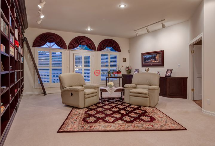 加拿大阿尔伯塔卡尔加里的房产,1700 96 Ave SW,编号23927949