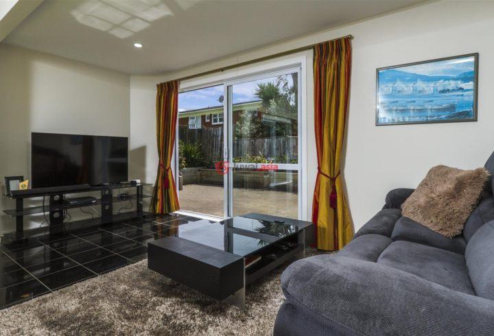 新西兰Auckland Region奥克兰的房产,2/28 East Coast Road,编号36076733