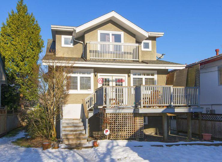 加拿大不列颠哥伦比亚省温哥华5卧的楼梯拼的房产别墅叠款式图片