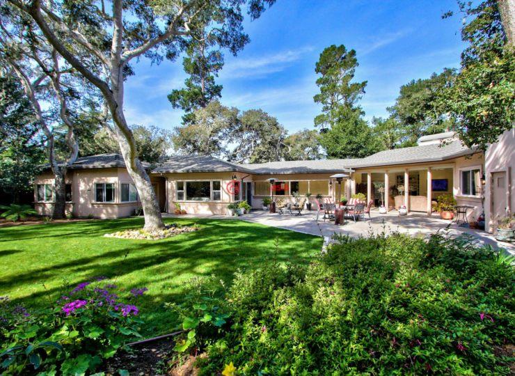 美国加州圆石滩4卧4卫的房产